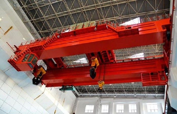 Heavy Duty Double Beam Electric Overhead Travelling Cranes For Huge Machine Assembly